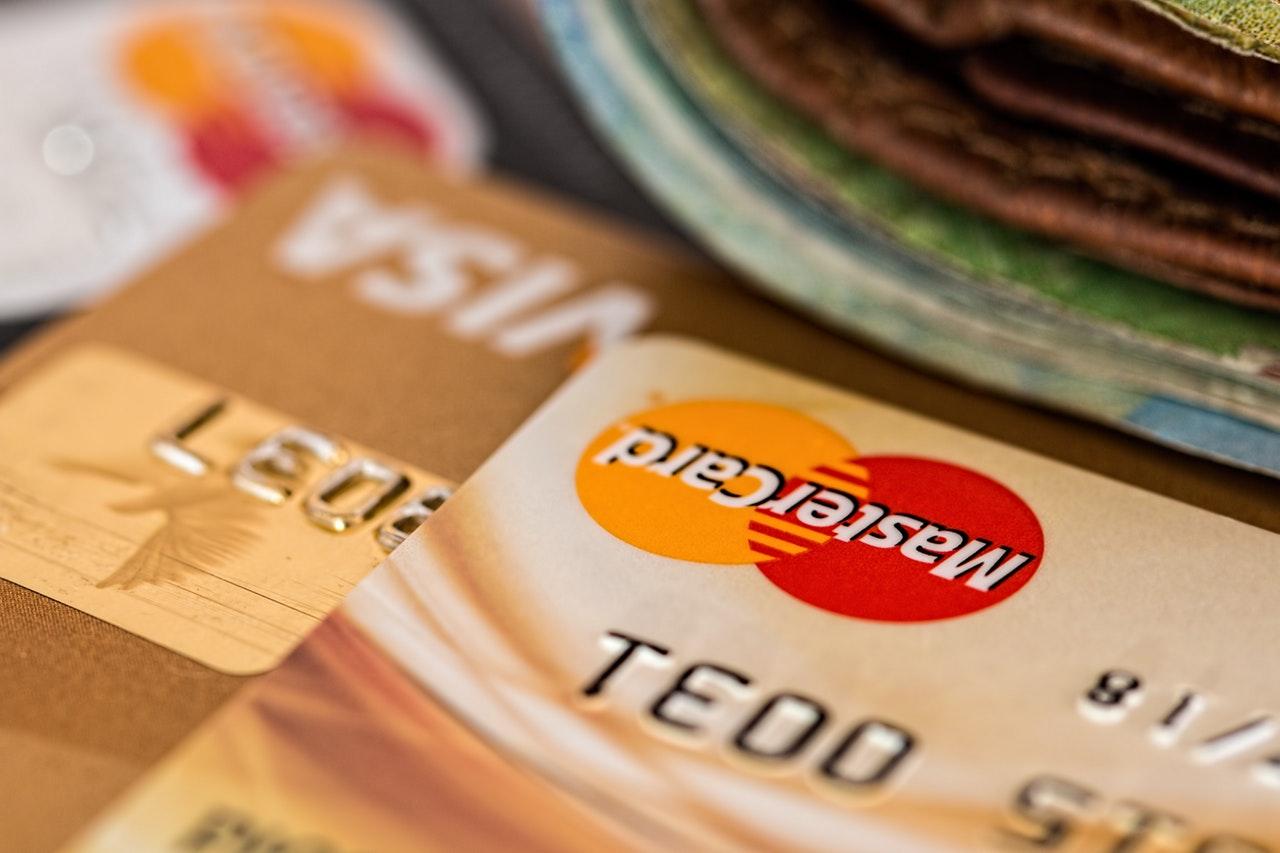 Jak zadbać o historię kredytową przed kupnem nieruchomości?