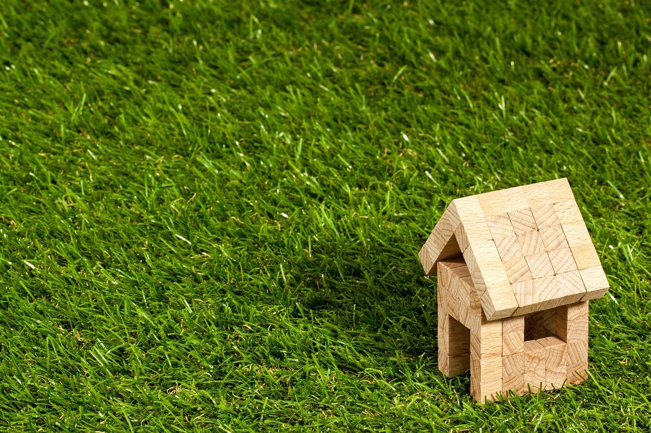 Czy nieruchomość warto kupować przez pośrednika?